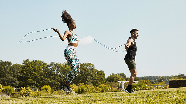 Springseil Workout: Mit Seilspringen zum Meister aller Fitness-Skills!