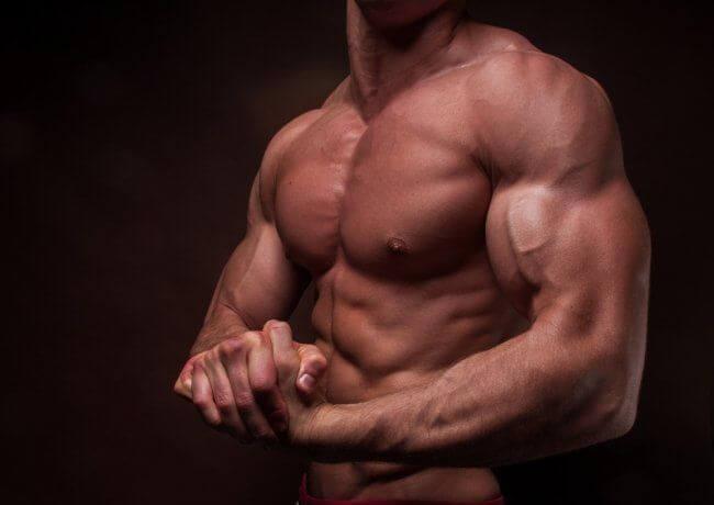 Die 10 besten Übungen für massive Arme
